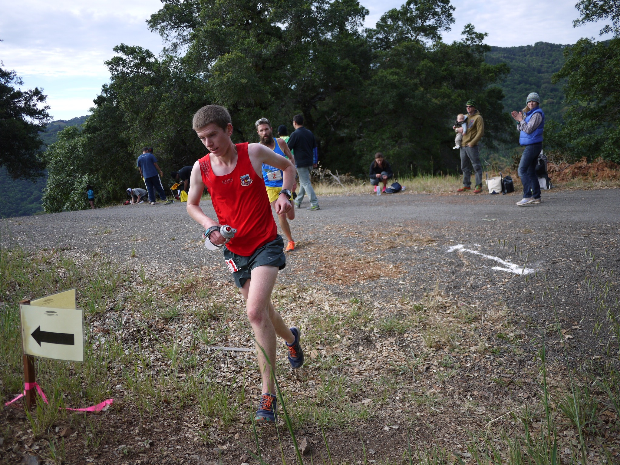 Jared Hazen, followed by Rob Krar, at 2015 Lake Sonoma.