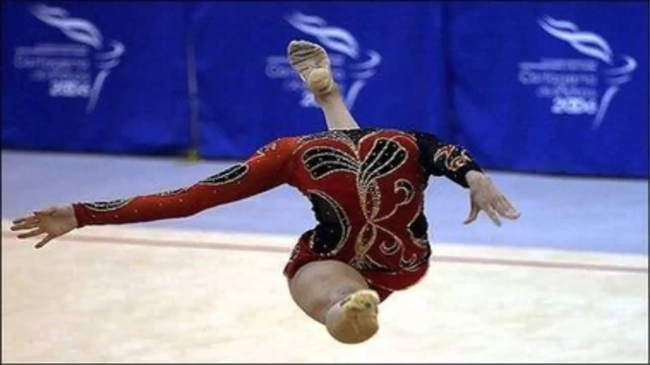 Headless-Funny-Gymnastic-Jump-Picture