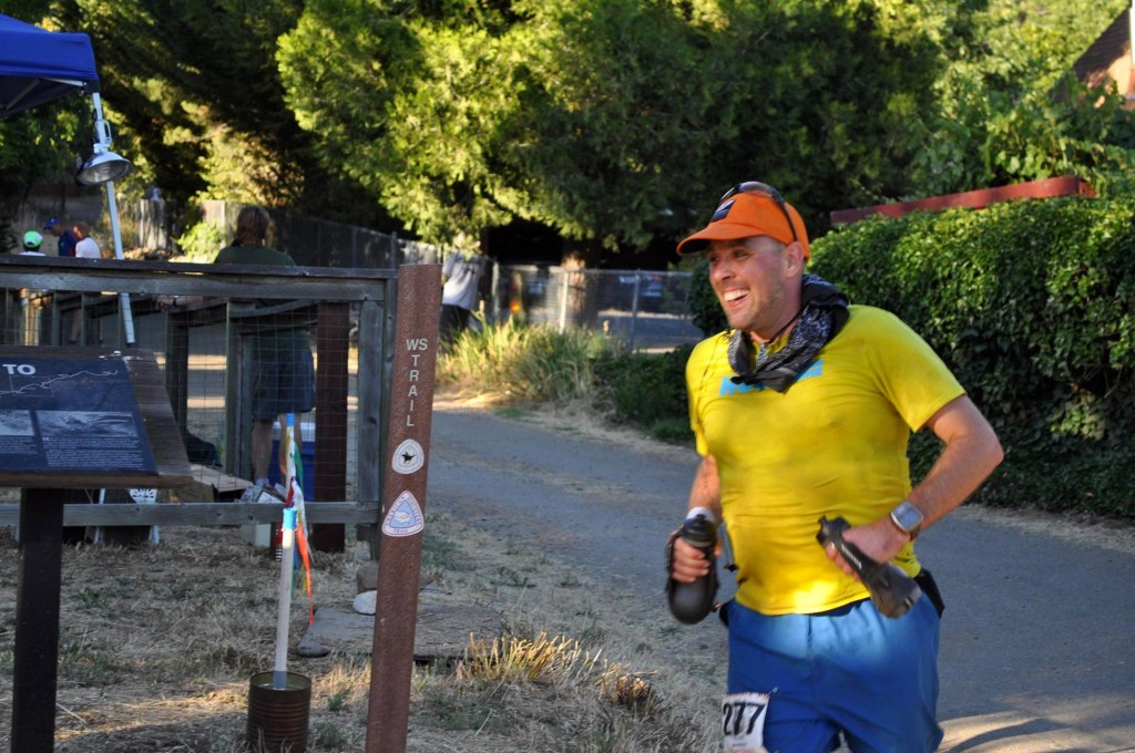 Ken entering Michigan Bluff at Western States 100. Pic by Shelley Miller Mitchell