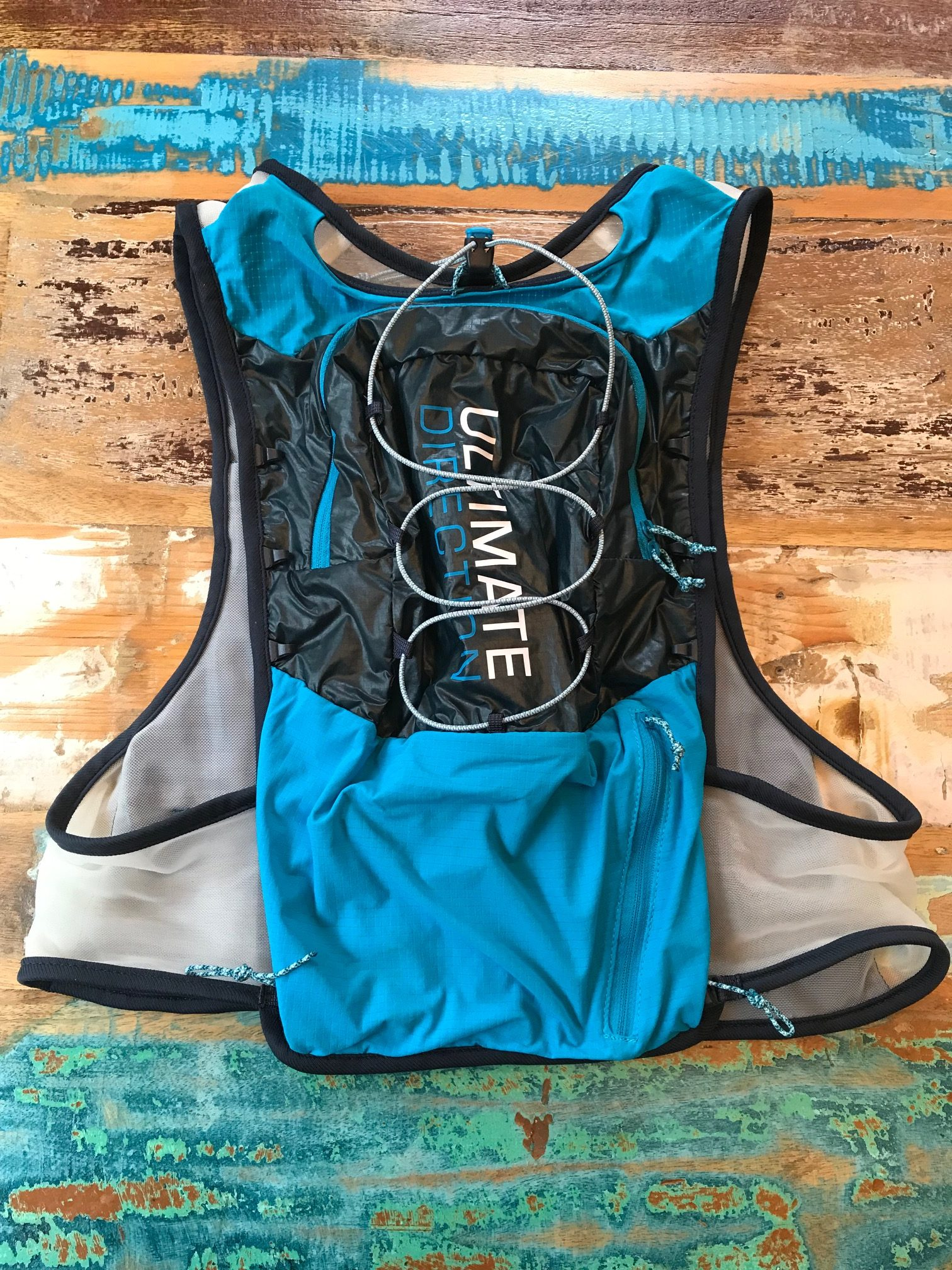 low priced 6ef6f f5235 Ultimate Direction Ultra Vest 4.0 Review | New and Improved?